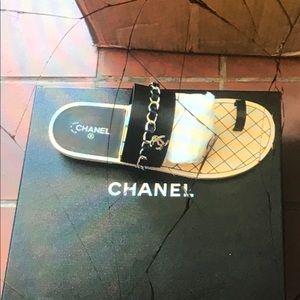 Women Chanel slippers